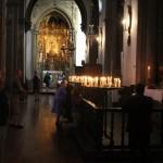 Bön i en kyrka