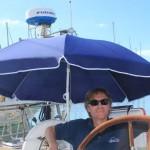 Tobbe inviger det nya parasollet